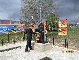 В преддверии праздника Великой Победы Глава муниципалителта возложил венки к памятникам воинам землякам